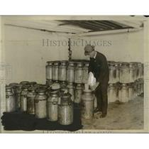 1926 Press Photo US Department of Agriculture Worker Tests Ice Cream - nef45967