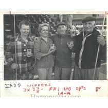 1963 Press Photo Shuffle Board Champion Medal Richard