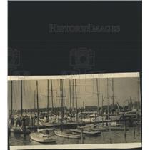 1939 Press Photo Yacht Basin ship water Harbor People