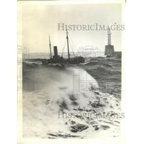1933 Press Photo Aberdeen Scotland Sea Ship Safety
