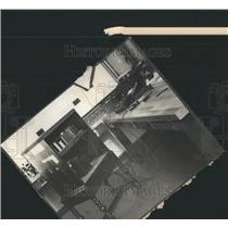 1929 Press Photo Daily News Radio Laboratory Interior - RRY43333