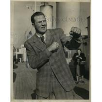 1947 Press Photo Olle Tandberg, Swedish Boxer Arriving in United States