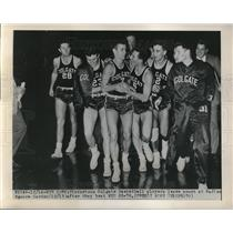 1949 Press Photo Colgate basketball players after defeating NYU, Madison S.G.