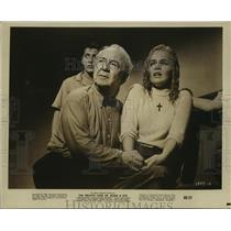 """1960 Press Photo Tuesday Weld, Cecil Kellaway in """"Private Lives of Adam & Eve"""""""