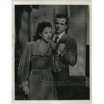 "1947 Press Photo Actress Ruth Warrick, Dana Andrews in ""Daisy Kenyon"""