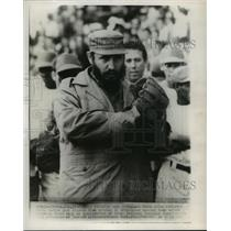 1965 Press Photo Cuban Prime Minister Fidel Castro throws out baseball pitch