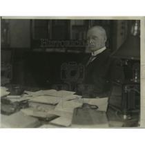 1923 Press Photo Dr Von Keilling Prime Minister of Bavaria at His Desk in Munich