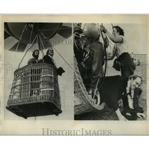 1976 Press Photo John R Dewey, Ralph H Hall in balloon basket at Cambridge MA