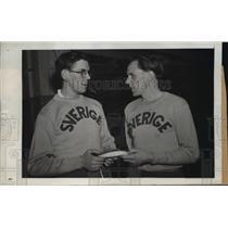 1945 Press Photo New York Hagg and Lidman in Pre Meet Parlay NYC - neny06271