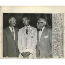 1956 Press Photo Bobby Morrow Olympic champion, Byron Nelson and Tris Speaker