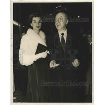 1958 Press Photo Hope Bryce & producer director Otto Preminger at a gala