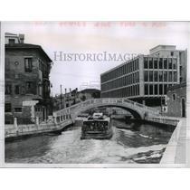 1960 Press Photo Venice, Italy Water Bus/Architectural Clash - ftx00742