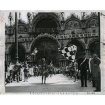 1955 Press Photo Venice, Italy St Mark's Basilica Folklore Festival - ftx00744