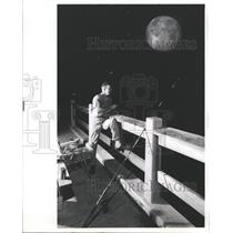 1971 Press Photo Jimmy Knight Fishing Short Pier Night