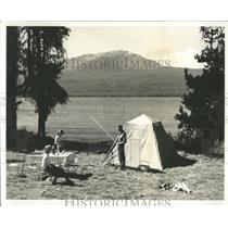 Press Photo Diamond Lake Campsite Fishermen Family - RRY42943