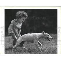 1987 Press Photo Kaite Keljam & Lucy the Greyhound