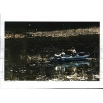 1998 Press Photo Federal government will begin to regulate outboard boat motors