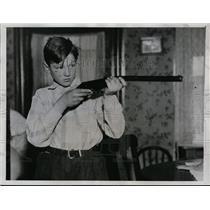 1934 Press Photo John Powko age 13 rifle marksman in Cleveland Ohio - neo00738
