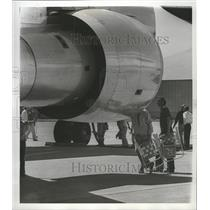 1976 Press Photo People check out aircraft at Fairchild Air Force base.