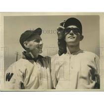 1940 Press Photo Senators Buddy Lewis & Gerald Walker at spring training