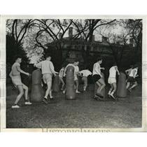 1942 Press Photo New York NYU students run obstacle course NYC - neny06420