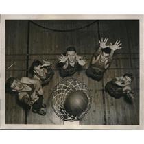 1941 Press Photo Duquense U basketball Rudy Debnar, Paul Widowitz - nes06070