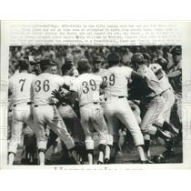 1969 Press Photo brawl between Mets and Expos, Cleon Jones ejected from game