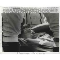 1968 Press Photo Eagles QB Norm Snead on stretcher after fracturing left ankle