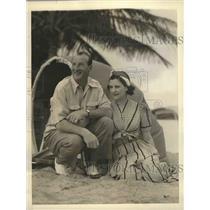 1941 Press Photo Goose Goslin American League Hitter and his bride at Florida