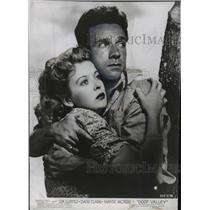 "1947 Press Photo Actors Ida Lupino, Dane Clark in ""Deep Valley"" Movie"