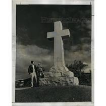 1953 Press Photo Santa Clara Mission Original Site Cross, San Jose, California
