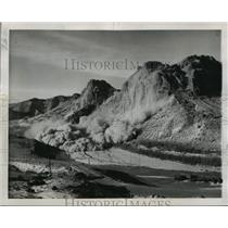 1950 Press Photo Wind River, Wyoming Boysen Dam Project Explosion - ftx01373