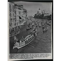 1958 Press Photo Gondola Parade, Grand Canal, Venice, Italy - ftx01069