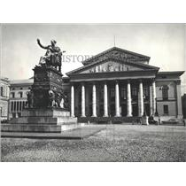 Press Photo Max Joseph Statue National theater Germany
