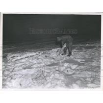 1947 Press Photo Arctic Rescue