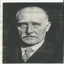 Sir Esme Howard British Ambassador to United States.