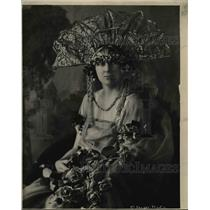 1920 Press Photo Queen Claire, Mrs Cameron Squires Rose Festival - orb49135