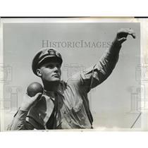 1942 Press Photo New York Lt Herber Michael to shot put NYC - neny06537