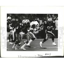 1993 Press Photo New Orleans Saints Players go After Opposing Player - noa01040