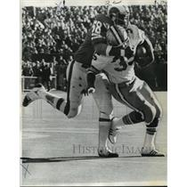 1972 Press Photo New Orleans Saints Player Tackled by Rams Defender - noa01444