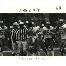 1978 Press Photo New Orleans Saints - 49ers Ricky Odom Questions Official