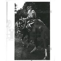 1985 Press Photo Children Horseback Dominican Republic