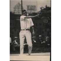 1920 Press Photo Tennis player Roland Roberts playing a match - net30596
