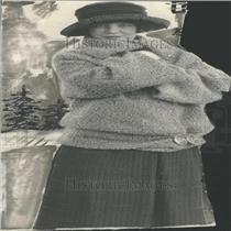 1922 Press Photo Lady photograph black hat