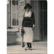 1920 Press Photo Esther McVann on way to golf in Washington DC - net30117