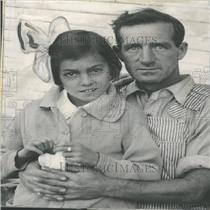 1933 Press Photo Alice Larkin Husband Daughter