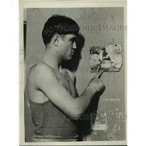 1927 Press Photo Boxer Frankie Klick at a training gym - net34542