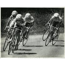 1989 Press Photo Betsy King of Farmington leading a group of cyclist on Friday