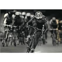 1993 Press Photo Cyclist Dede Demet Races With Men At PAC Gran Prix Race