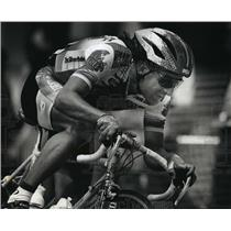 1993 Press Photo Cyclist Roberto Gaggioli Rides During PAC Gran Prix Race